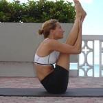Nugaros ir kojų tempimas į viršų (ourdhva paschimottanasana)